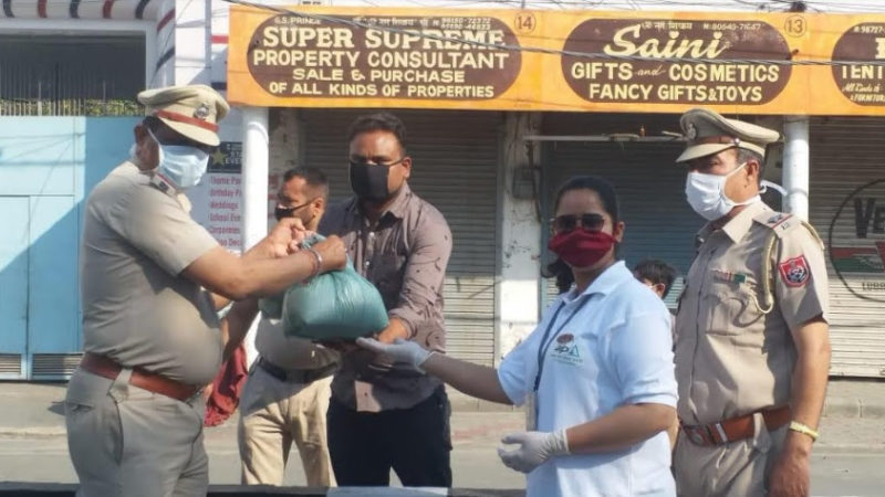 AIPL Aids Daily Wage Workers and Street Dogs Fighting COVID-19