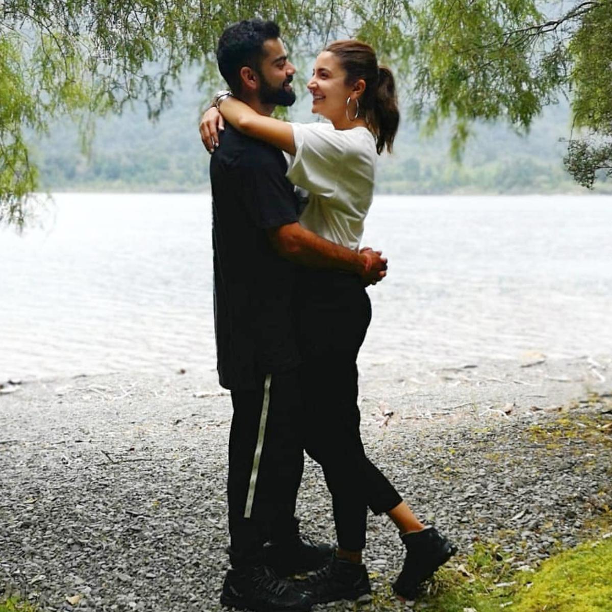 Anushka Sharma along with Virat Kohli are still adorable couples