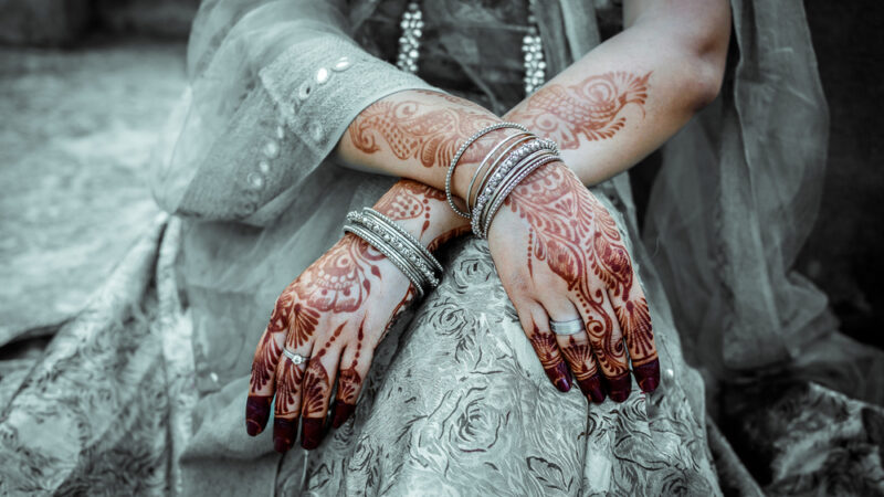5 Beautiful Mehendi Designs For Brides