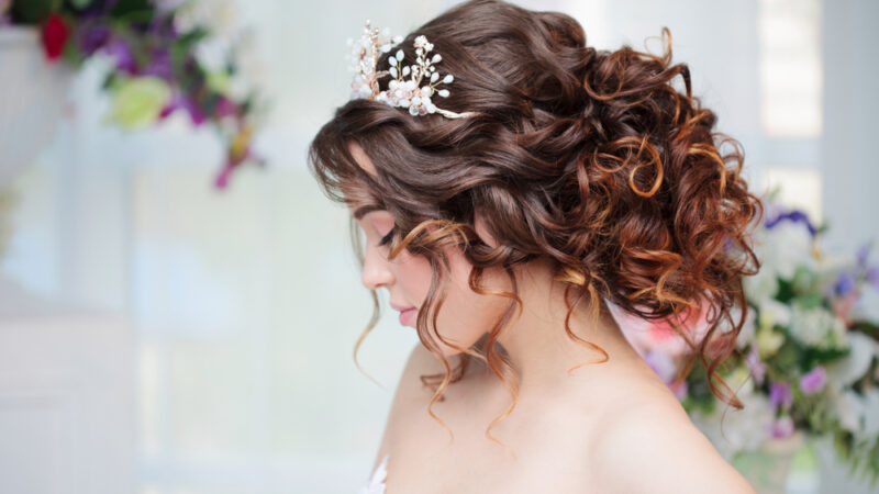6 Outstanding Hairstyles For Party Wear Look