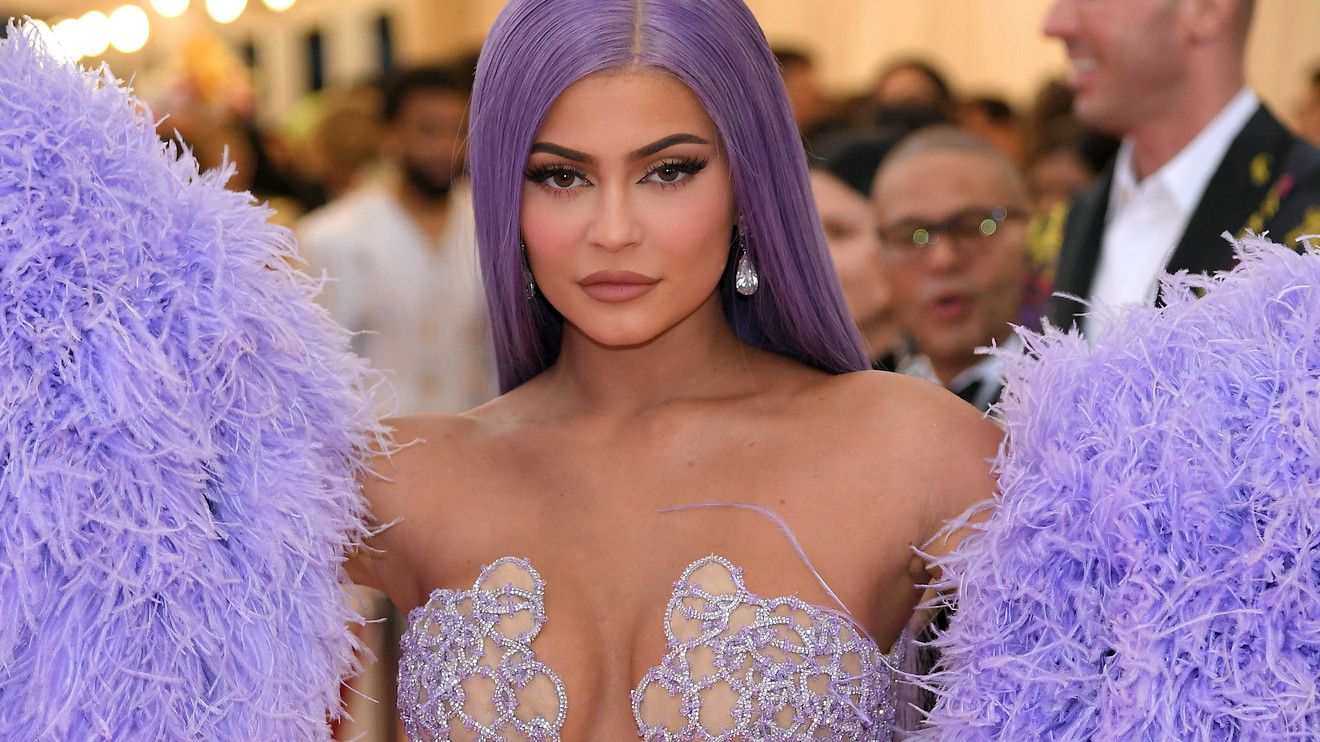 Kylie Jenner's Instagram Is A Inspiration of Nail Art: See Some