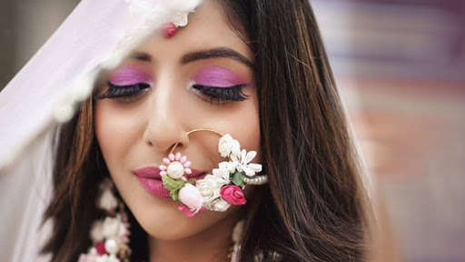 Floral Jewelry to create your Mehendi look until the mark also the best is about Floral in Wedding?