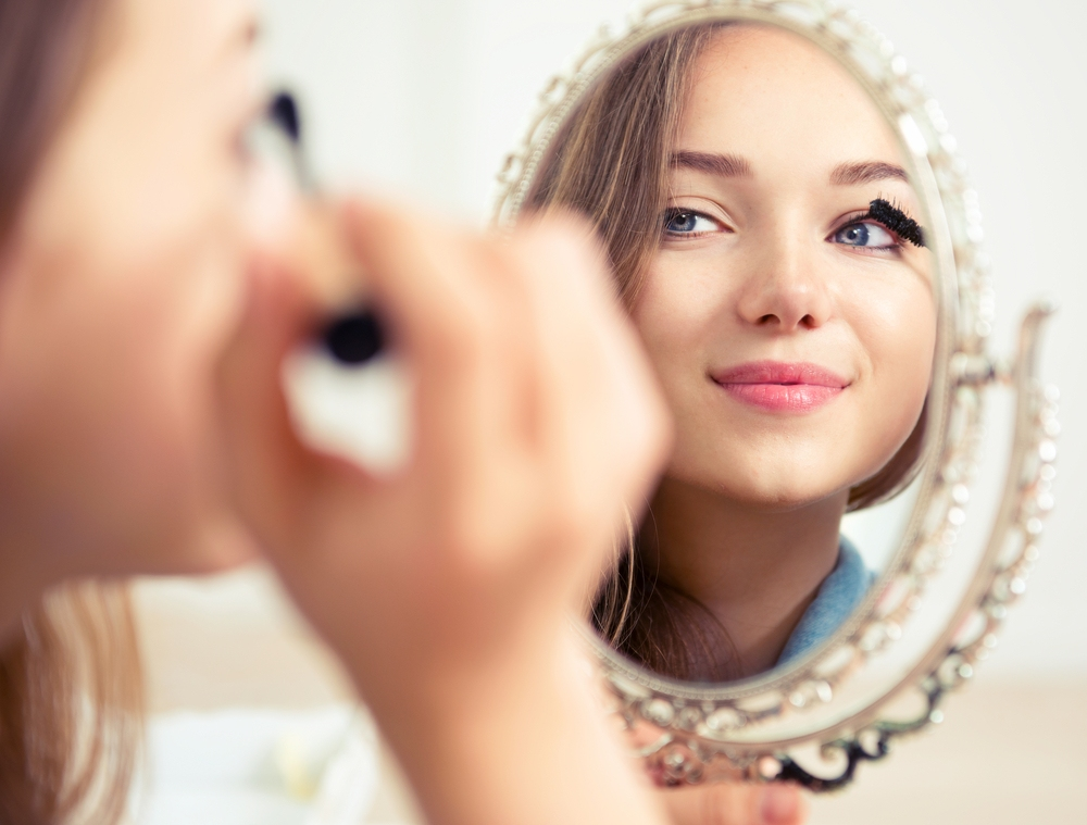 Beauty Expert Reveals Makeup Tips Who Have Round Shaped Face