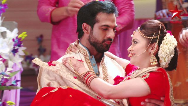 Saath Nibhaana Saathiya 2 Coming With Devoleena Bhattacharjee and Mohammad Nazim See More Star Cast.
