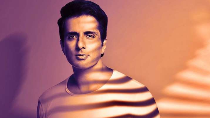 Actor Sonu Sood Says He Is Not Interested In Entering Politics At The Moment Also Say Something Else.