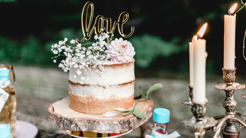 Planning for a wedding cake?  Here are Some things to keep in mind