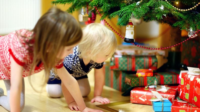 List Of Perfect Gift Items That You Can Buy For Your Kids This Christmas