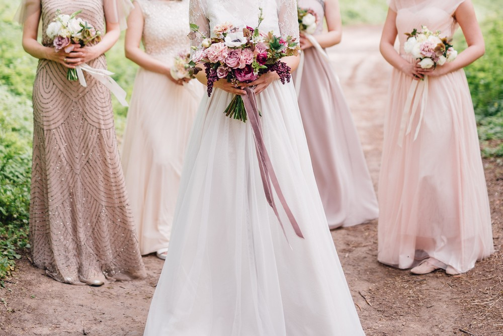 5 Trending wedding outfits colours this season