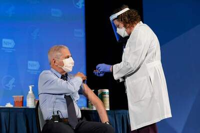 Fauci says mandatory COVID-19 vaccines possible for travel, school