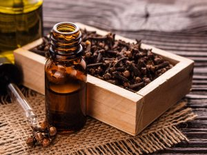 5 Lesser-Known Health Benefits Of This Clove oil
