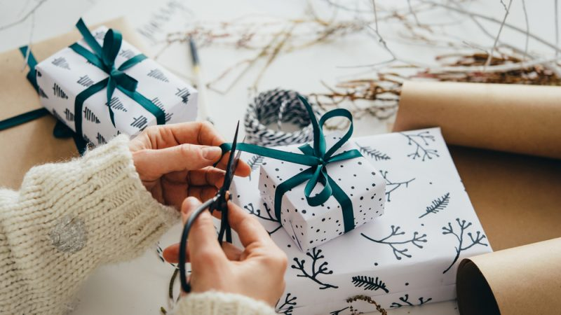 A Winter Wedding Gift To Be Blessed With Love
