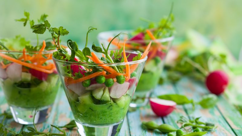 4 Foods Should Be Eaten Raw For Their Health Benefits