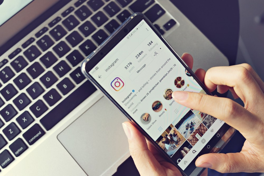 How to get your crush's attention on instagram
